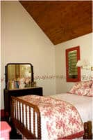 The Carriage Suite Bedroom · Weatherbury Farm Stay Lodging · 1992-2017